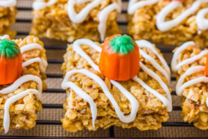 pumpkin-pie-rice-krispie-treats-17