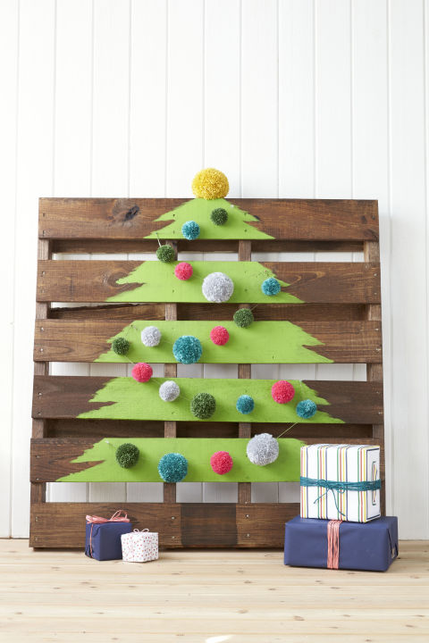 gallery-needle-free-tree-wood-pallet